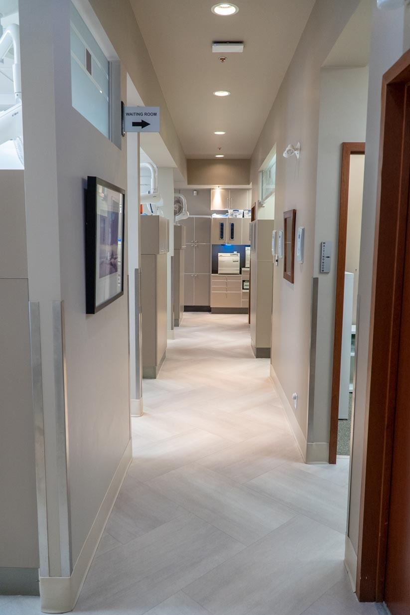 Oakridge Crossing Dental   Hallway